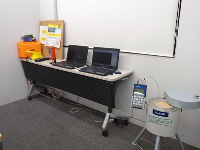 放射線検知器・デモ会場の様子1